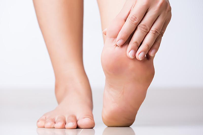 美姿勢のポイント 身体を支える土台となるのは足の裏